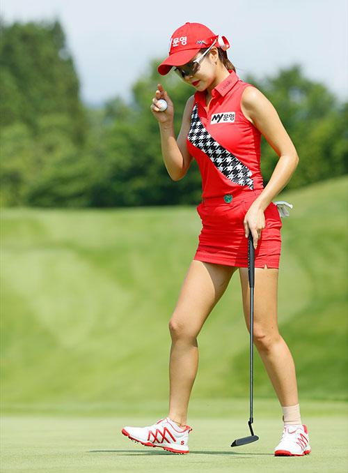 ミニスカ ゴルフ