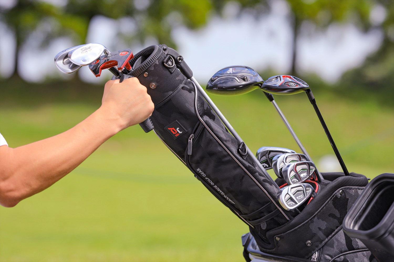 bd82121c84fe バッグ本体にすっぽり入るケースが人気に   週刊ゴルフダイジェスト